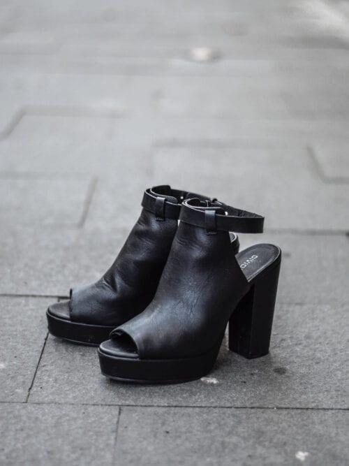 Sandale   Mărime 37